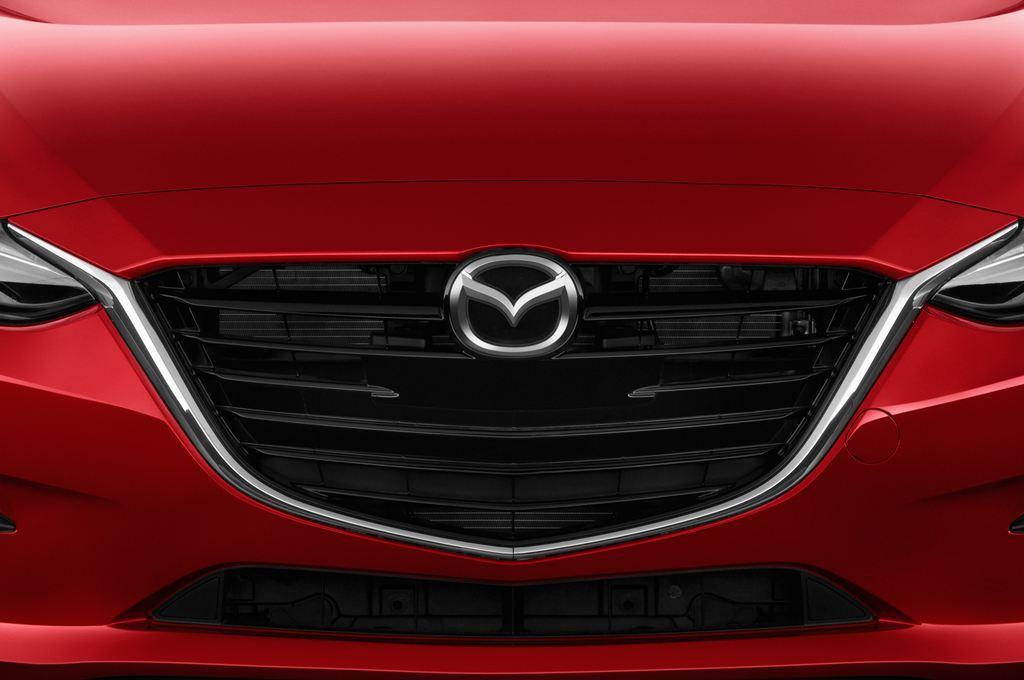 Mazda 3 Sports-Line Kompaktklasse (2013 - heute) 5 Türen Kühlergrill und Scheinwerfer