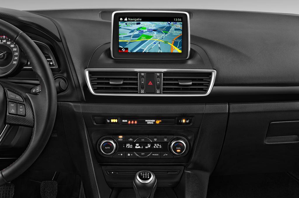Mazda 3 Center-Line Kompaktklasse (2013 - heute) 5 Türen Mittelkonsole