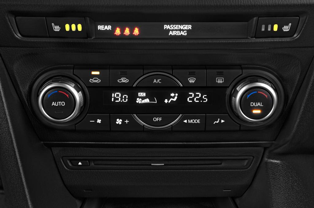 Mazda 3 Center-Line Kompaktklasse (2013 - heute) 5 Türen Temperatur und Klimaanlage