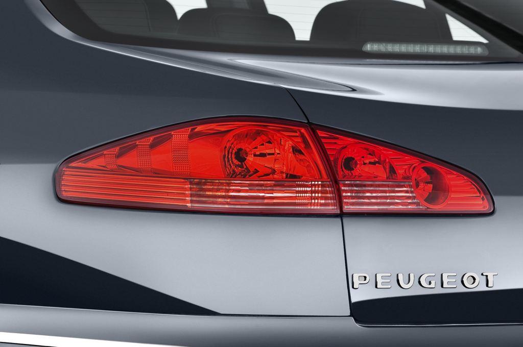 Peugeot 607 Platinum Limousine (2000 - 2010) 4 Türen Rücklicht
