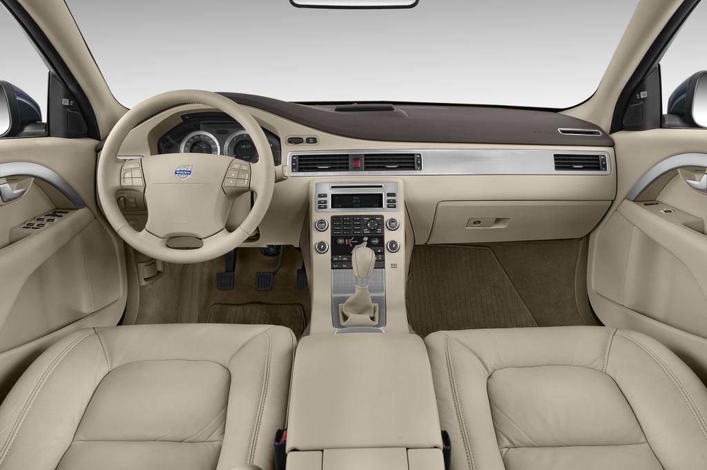 Volvo V70 Kinetic Kombi (2007 - 2016) 5 Türen Cockpit und Innenraum