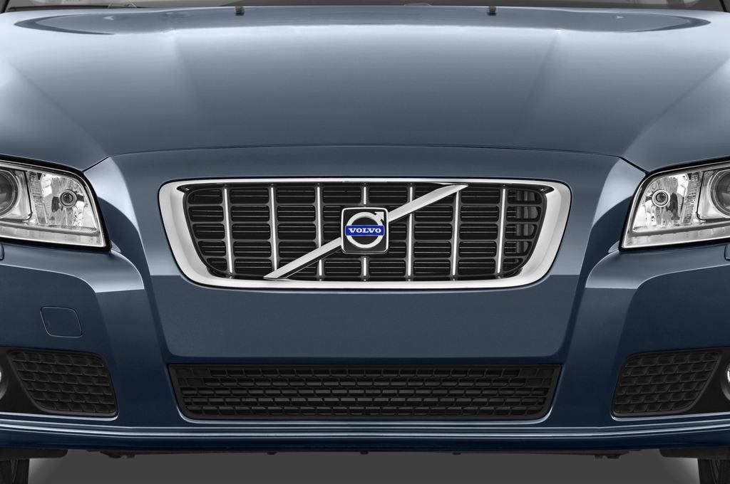 Volvo V70 Kinetic Kombi (2007 - 2016) 5 Türen Kühlergrill und Scheinwerfer