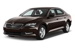 Skoda Superb Ambition Limousine (2015 - heute) 5 Türen seitlich vorne