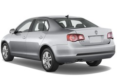 VW Jetta Comfortline Kompaktklasse (2005 - 2010) 4 Türen seitlich hinten