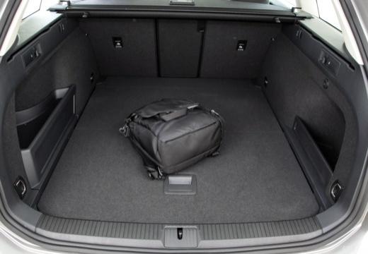 VW Passat Variant 2.0 TDI SCR 4Motion DSG BlueM. Tech (seit 2014) Laderaum