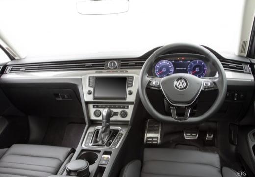 VW Passat Variant 2.0 TDI SCR 4Motion DSG BlueM. Tech (seit 2014) Armaturenbrett