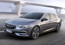 Opel Insignia Sports Tourer 2.0 Diesel (seit 2017) Front + links