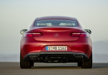 Mercedes-Benz E 220 d Coupe 9G-TRONIC (seit 2016) Heck