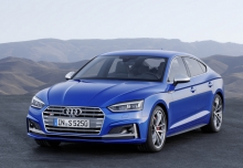 Audi A5 Sportback 3.0 TDI quattro tiptronic (seit 2017) Front + links