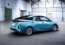 Toyota Prius Hybrid (seit 2016) Heck + rechts
