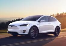 Tesla Tesla Model X 60D Allradantrieb (seit 2016) Front + links