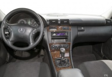 Mercedes-Benz C 270 CDI (2004-2005) Armaturenbrett
