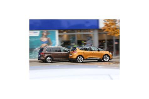 Renault Scénic dCi 130 vs. VW Touran 2.0 TDI: Neuer Scénic und Bestseller Touran im Test