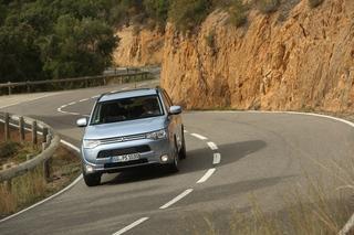 Mitsubishi Outlander PHEV - Grüne Technik für ein ruhiges Gewissen ...