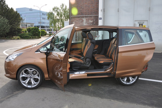 Ford B-Max - Mach weit die Tür