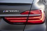 BMW M 760 Li xDrive - Überholmanöver