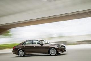 Mercedes-Benz E 250 - Aufgefrischtes Design und mehr Assistenten (K...