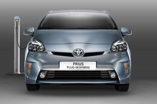 Toyota Prius Plug-In Hybrid - Für Tankstelle und Steckdose