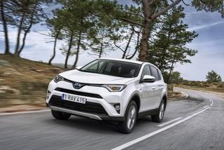 Test: Toyota RAV4 Hybrid - Gleiter durch Raum und Zeit