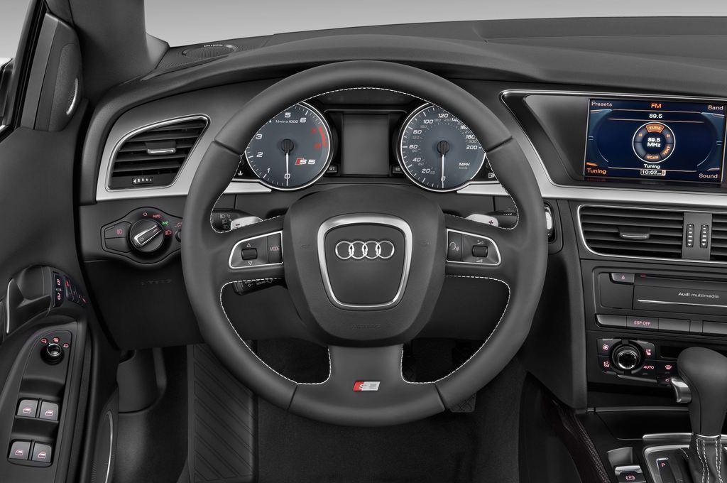 Audi S5 - Cabrio (2009 - 2016) 2 Türen Lenkrad