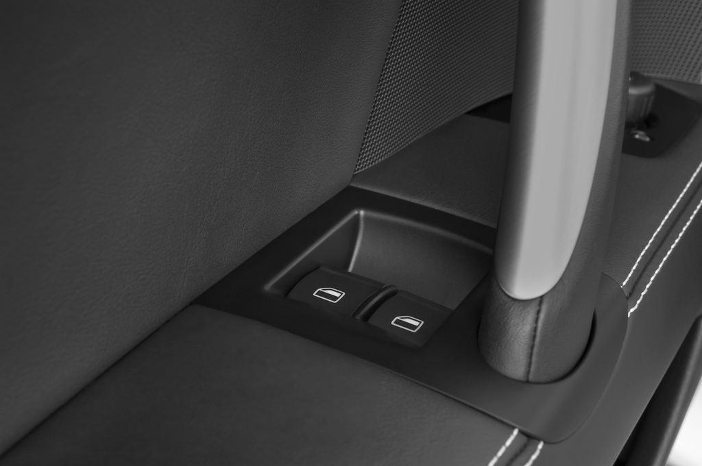 Audi TT - Coupé (2006 - 2014) 3 Türen Bedienungselemente Tür