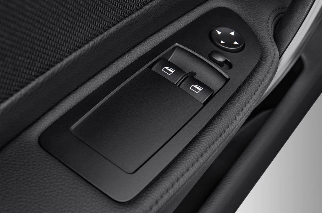 BMW 1er 123d Kompaktklasse (2004 - 2013) 3 Türen Bedienungselemente Tür