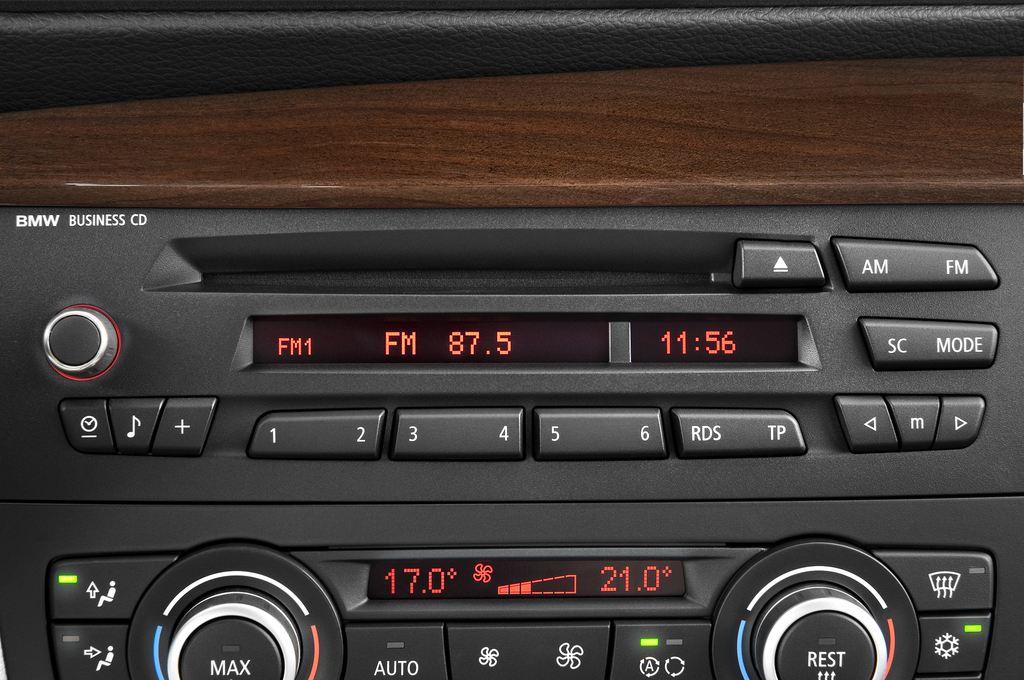 BMW 1er 130i Kompaktklasse (2004 - 2013) 5 Türen Radio und Infotainmentsystem