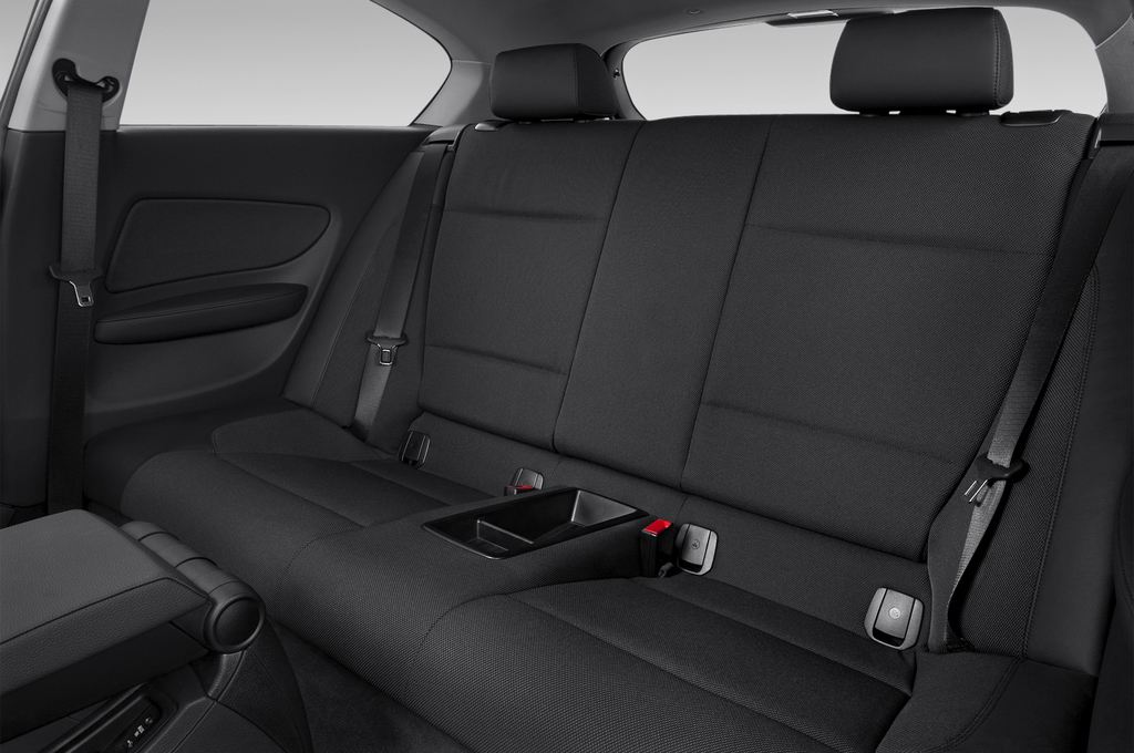 BMW 1er 123d Kompaktklasse (2004 - 2013) 3 Türen Rücksitze