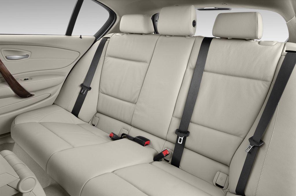 BMW 1er 130i Kompaktklasse (2004 - 2013) 5 Türen Rücksitze