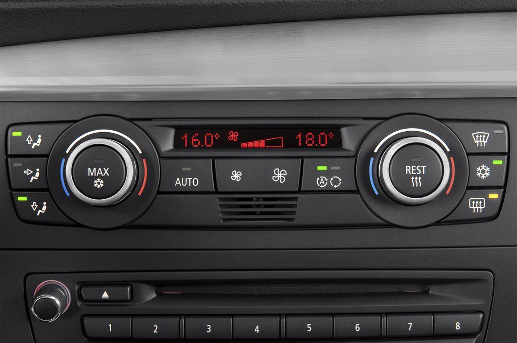 BMW 1er 123d Kompaktklasse (2004 - 2013) 3 Türen Temperatur und Klimaanlage