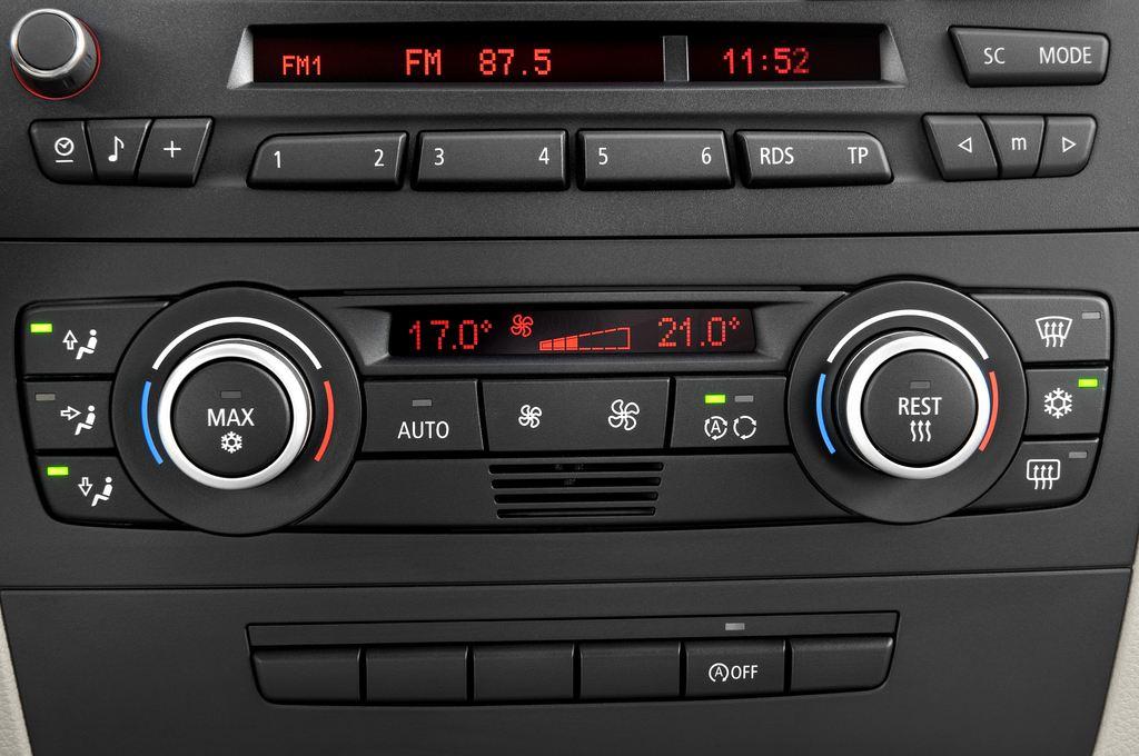 BMW 1er 130i Kompaktklasse (2004 - 2013) 5 Türen Temperatur und Klimaanlage