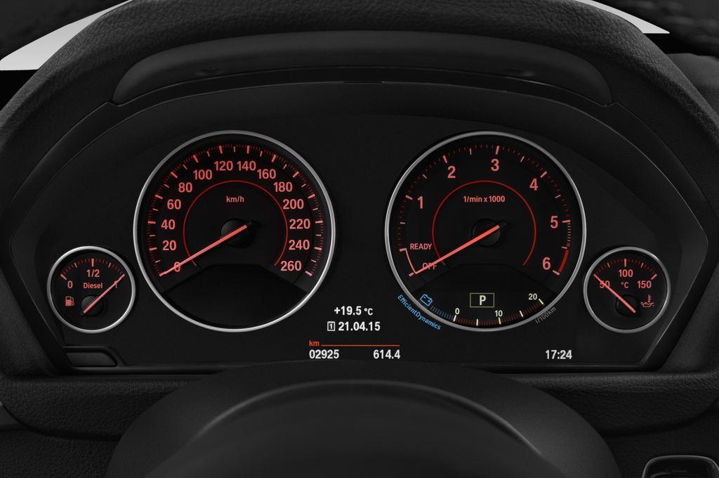 BMW 3er GT - Limousine (2013 - heute) 5 Türen Tacho und Fahrerinstrumente
