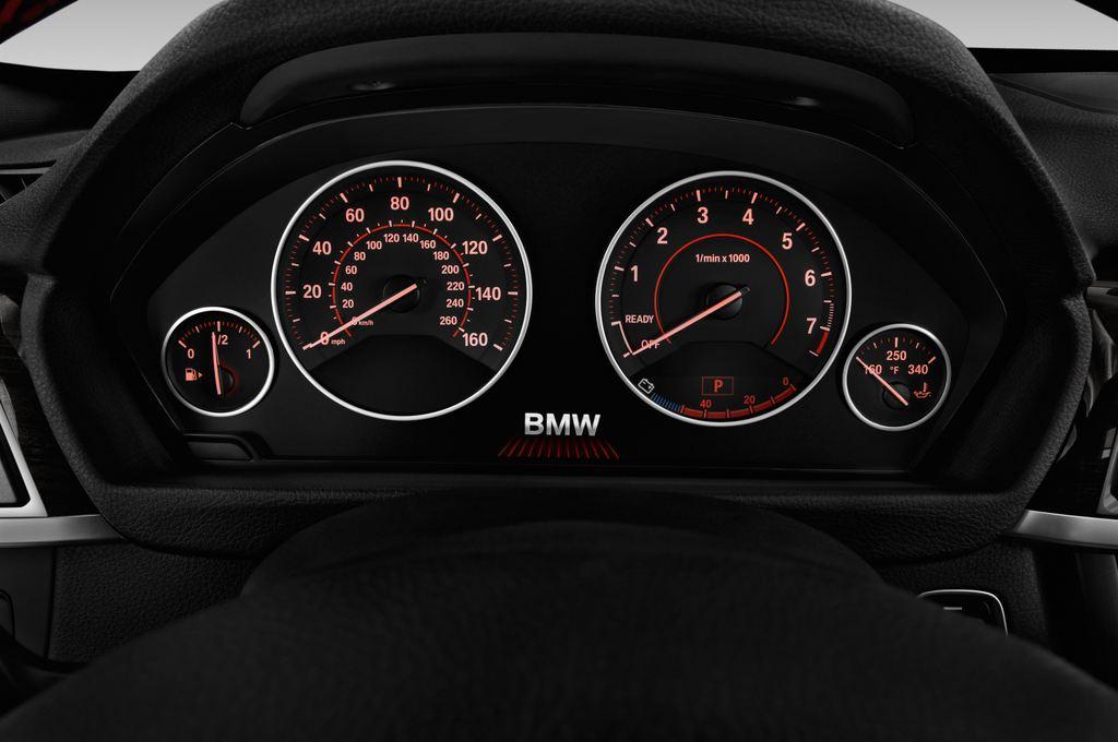 BMW 3er GT Sport Line Limousine (2013 - heute) 5 Türen Tacho und Fahrerinstrumente