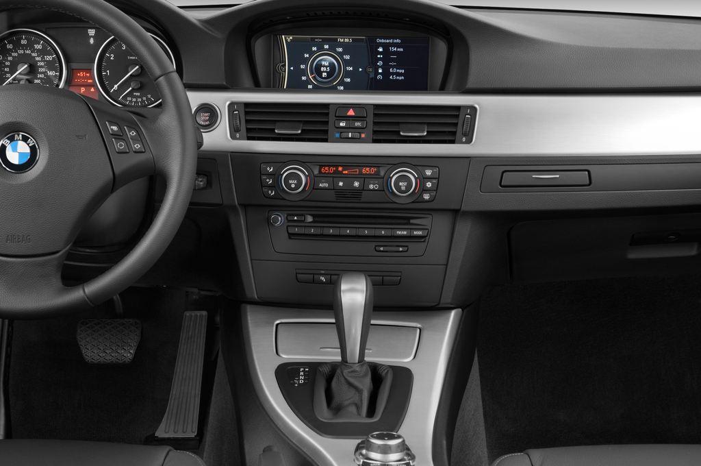BMW 3er 325i Touring Kombi (2005 - 2013) 5 Türen Mittelkonsole
