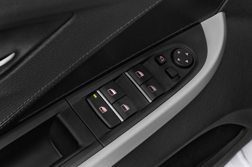 BMW 6er 640i Coupé (2011 - heute) 4 Türen Bedienungselemente Tür