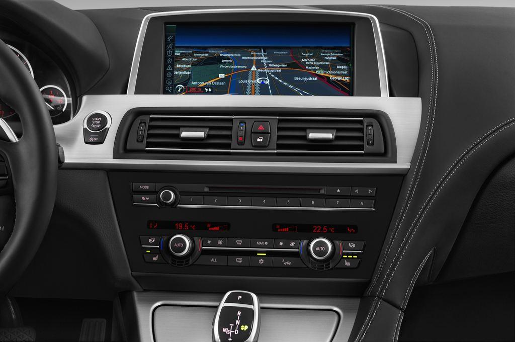 BMW 6er 640i Coupé (2011 - heute) 4 Türen Mittelkonsole
