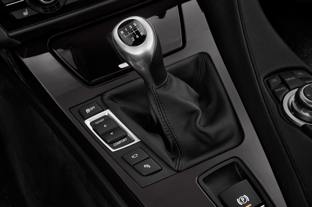BMW 6er M Sportpaket Coupé (2011 - heute) 2 Türen Schalthebel