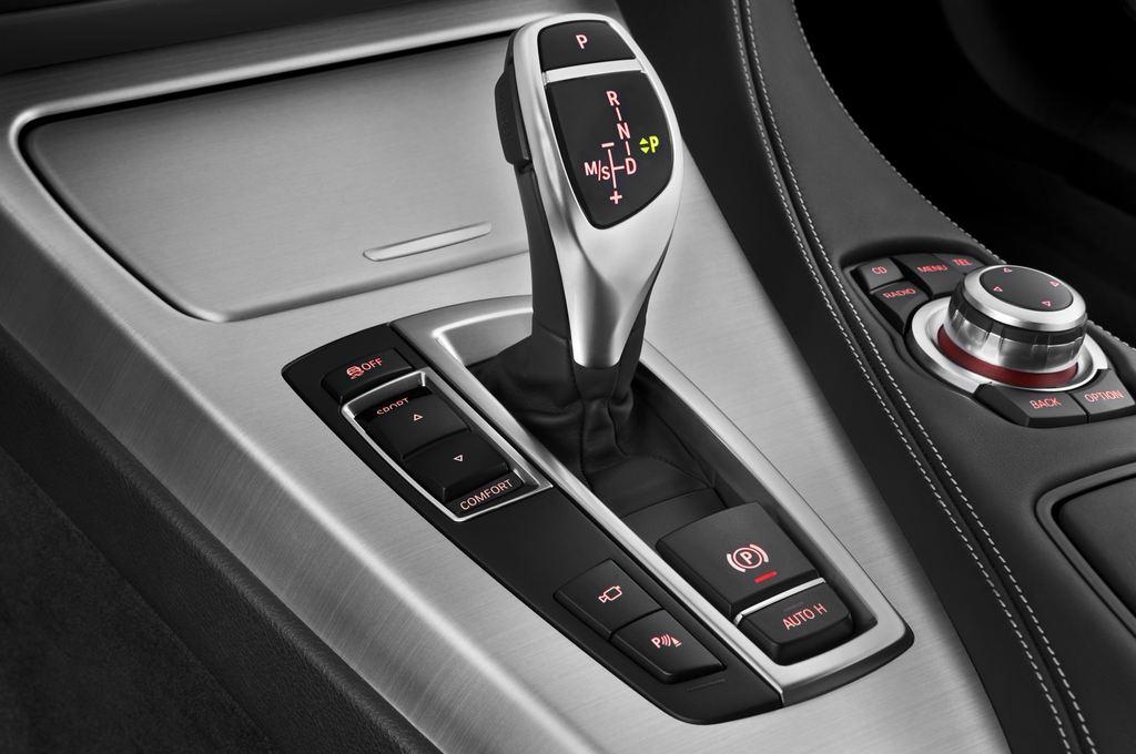 BMW 6er 640i Coupé (2011 - heute) 4 Türen Schalthebel