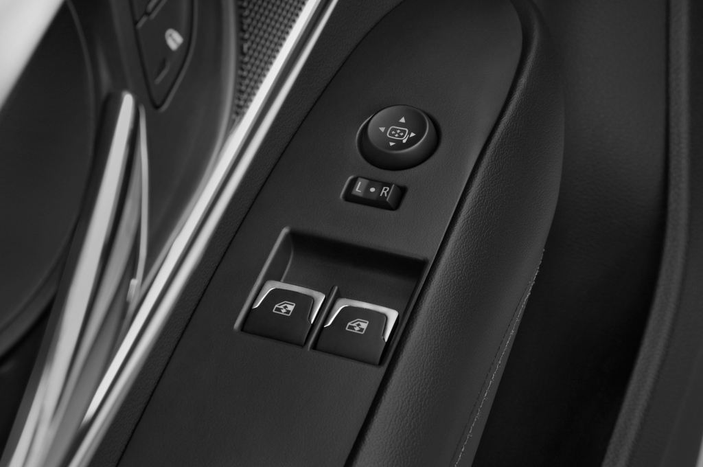 Cadillac ATS Premium Coupé (2014 - heute) 2 Türen Bedienungselemente Tür