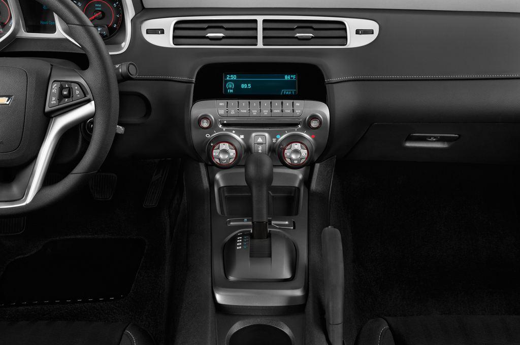 Chevrolet Camaro - Coupé (2009 - 2016) 2 Türen Mittelkonsole