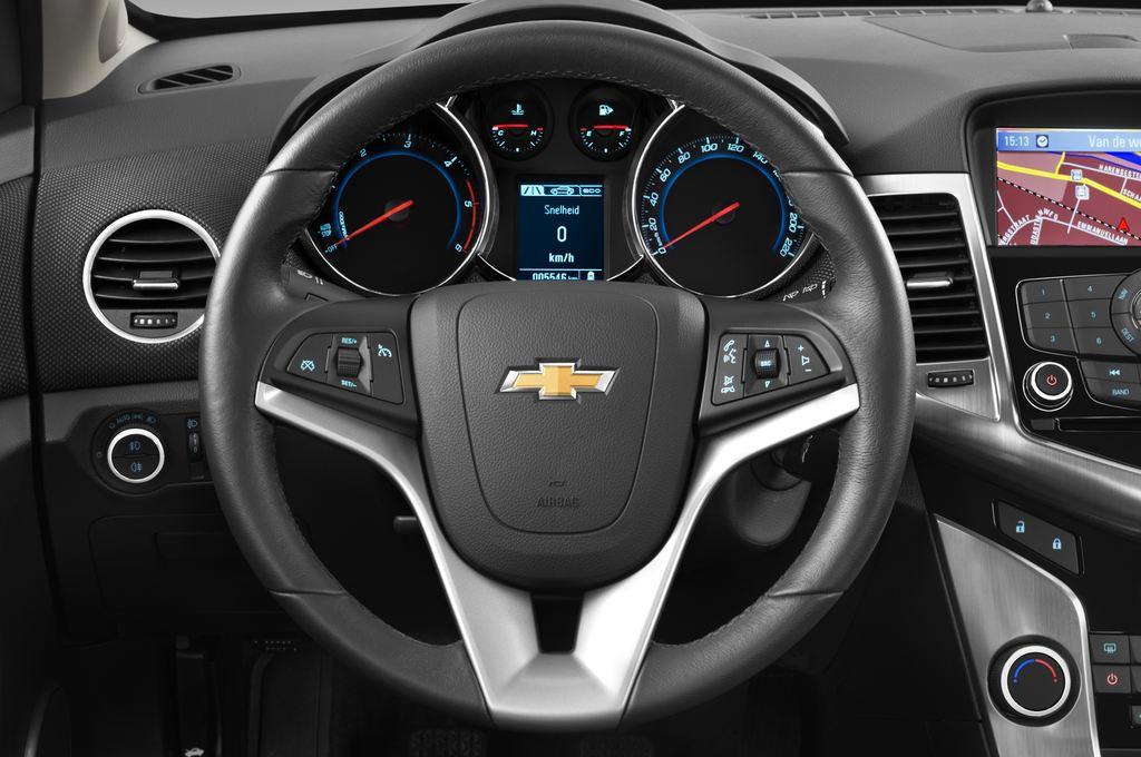 Chevrolet Cruze LTZ Kombi (2012 - 2016) 5 Türen Lenkrad