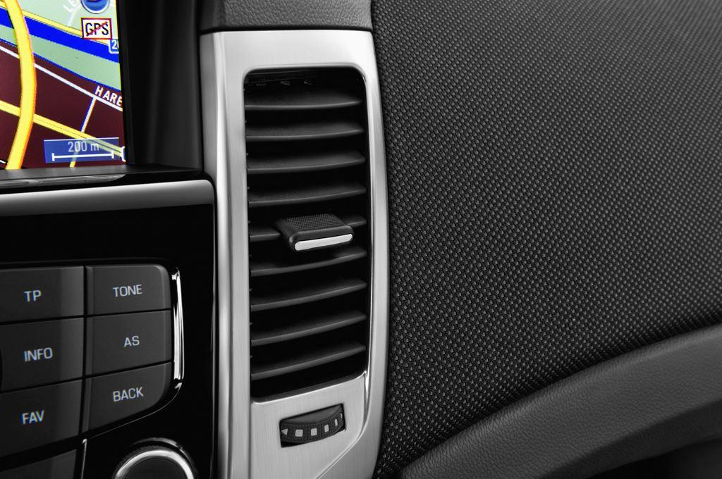 Chevrolet Cruze LTZ Kombi (2012 - 2016) 5 Türen Lüftung