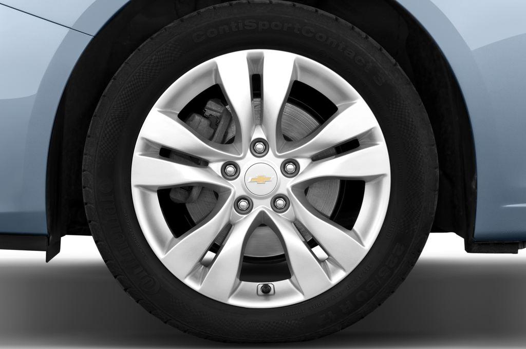 Chevrolet Cruze LTZ Kombi (2012 - 2016) 5 Türen Reifen und Felge