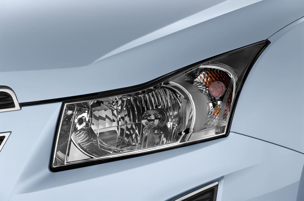 Chevrolet Cruze LTZ Kombi (2012 - 2016) 5 Türen Scheinwerfer
