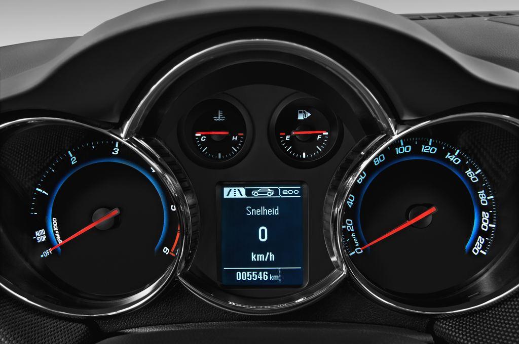 Chevrolet Cruze LTZ Kombi (2012 - 2016) 5 Türen Tacho und Fahrerinstrumente