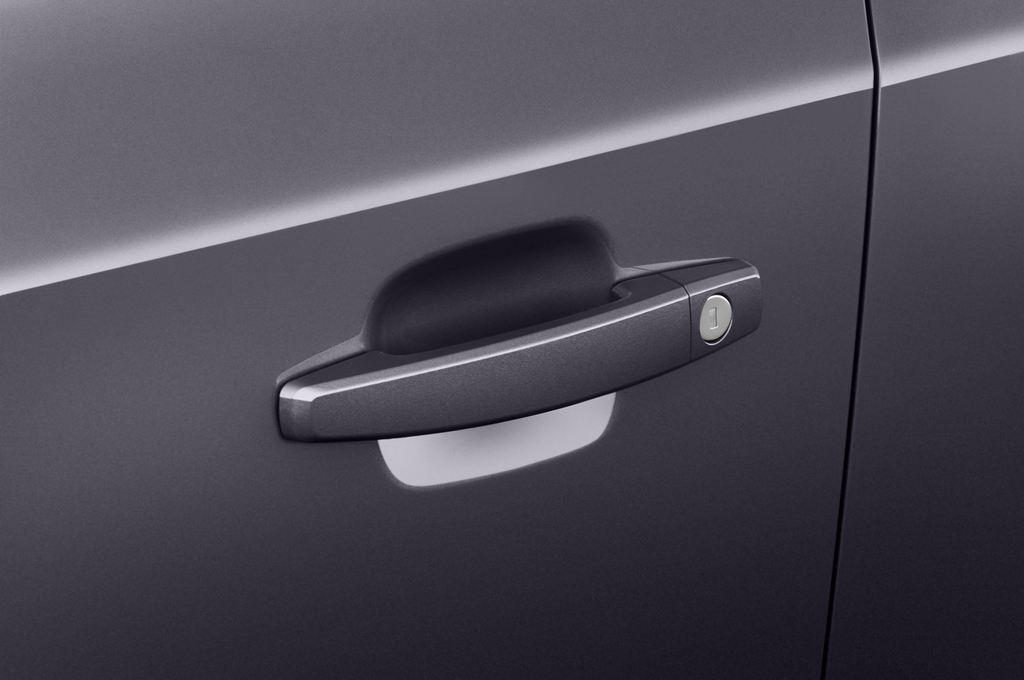 Chevrolet Orlando LTZ SUV (2010 - heute) 5 Türen Türgriff