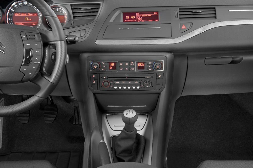 Citroen C5 VTR Plus Kombi (2008 - heute) 5 Türen Mittelkonsole