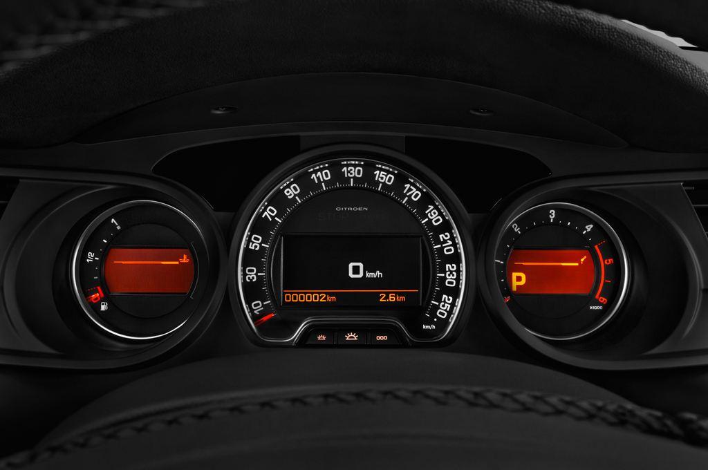 Citroen C5 XTR Kombi (2008 - heute) 5 Türen Tacho und Fahrerinstrumente