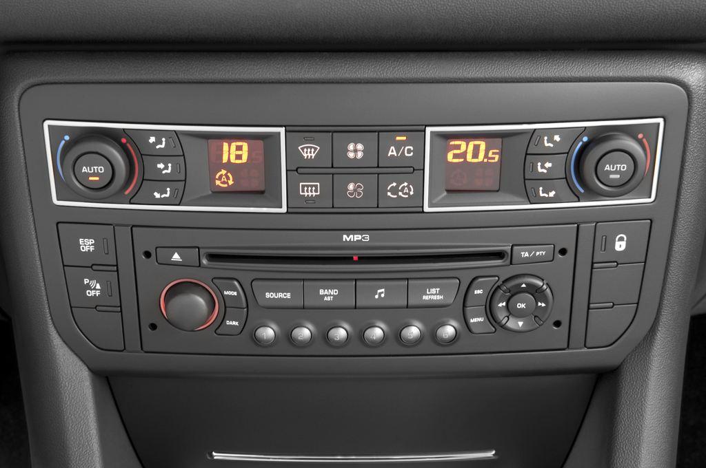 Citroen C5 VTR Plus Kombi (2008 - heute) 5 Türen Temperatur und Klimaanlage