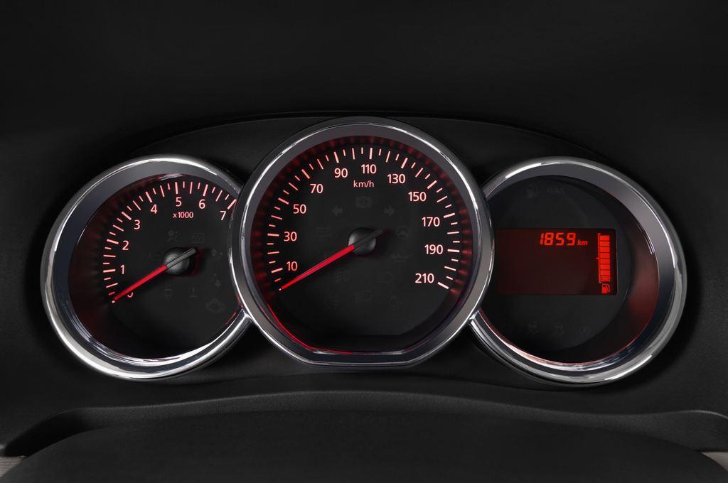 Dacia Lodgy Laur�ate Van (2012 - heute) 5 Türen Tacho und Fahrerinstrumente